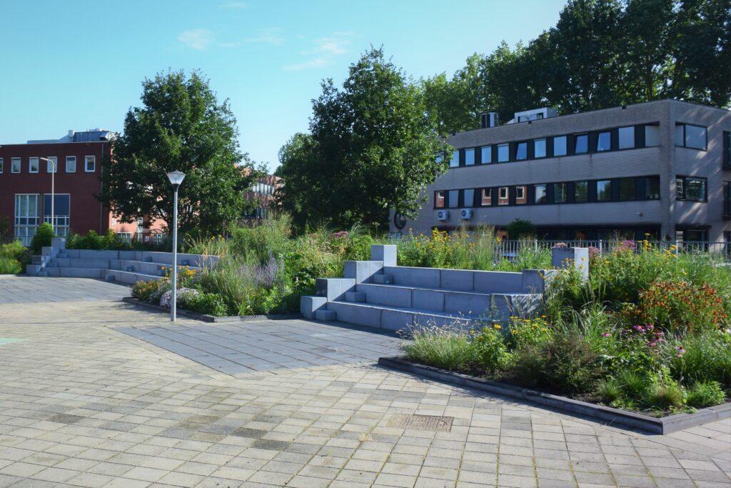 Farelcollege Ridderkerk - nieuwe situatie tribune schoolplein