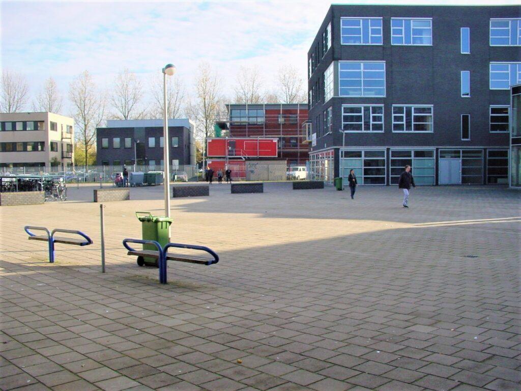 Farelcollege Ridderkerk - oude situatie schoolplein